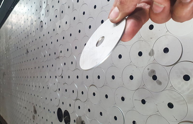 Gia công cắt laser chi tiết inox theo yêu cầu tại Hà Nội
