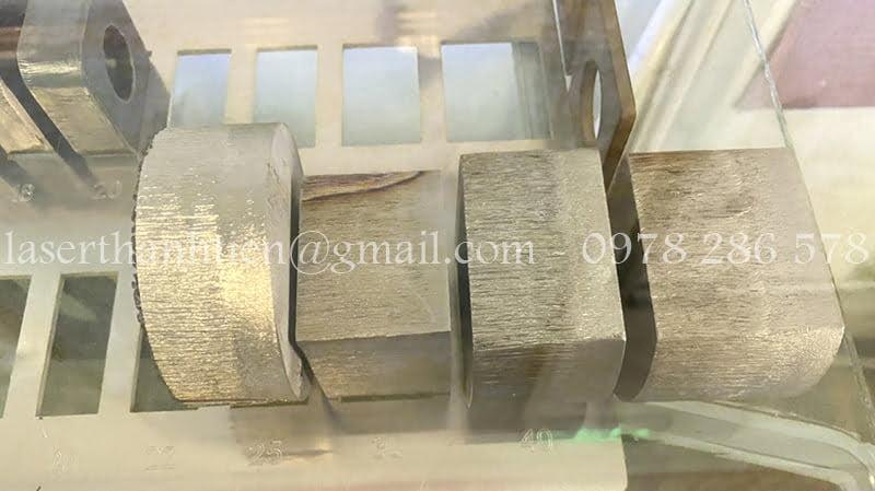 Cắt Laser chi tiết thép dày theo yêu cầu khách hàng