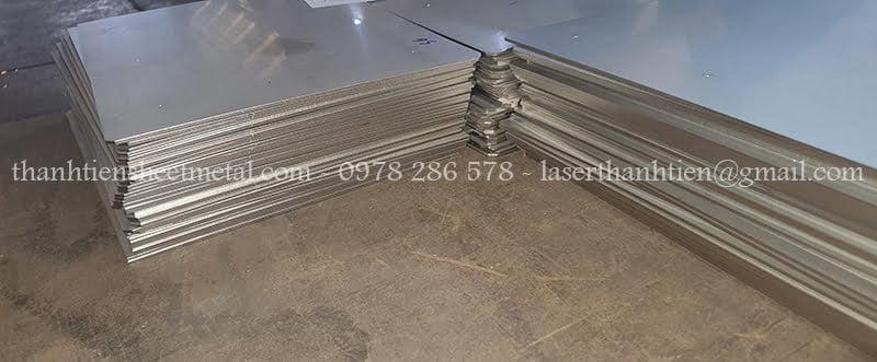 Cắt laser thép tại Hà Nội theo yêu cầu khách hàng