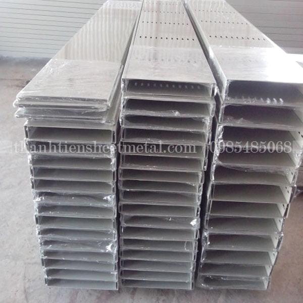 Sản xuất máng cáp 600x100 theo yêu cầu