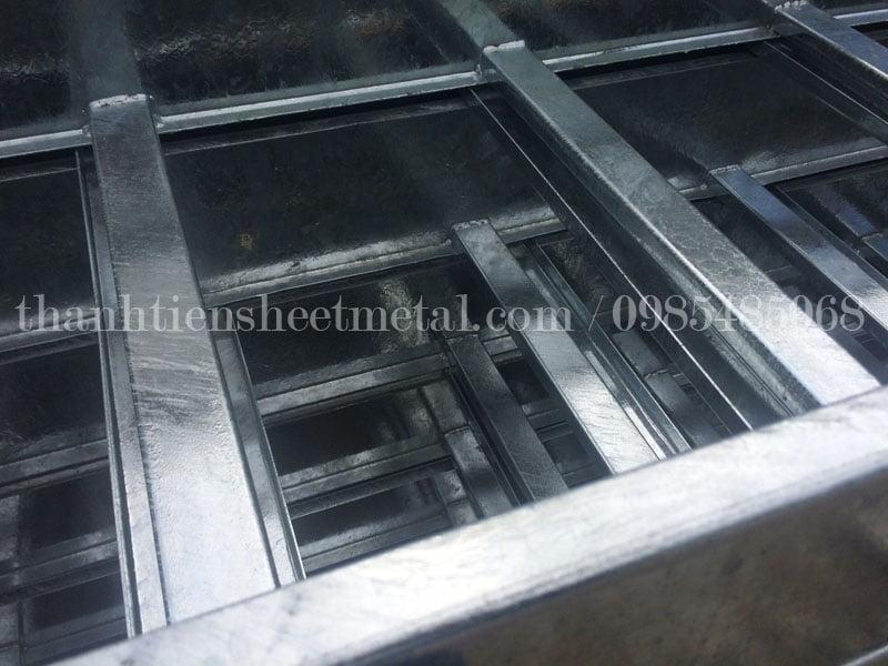 Sản xuất thang cáp mạ kẽm nhúng nóng 500x100