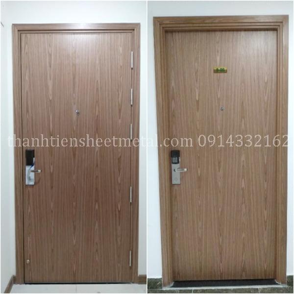 Cửa thép vân gỗ giá rẻ sản xuất theo yêu cầu tại Hà Nội