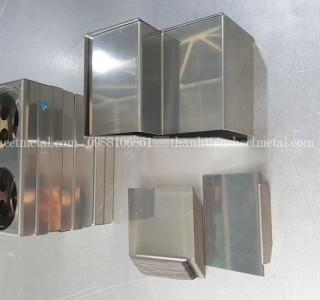 gia-cong-tran-gap-chi-tiet-inox-201x1-2mm